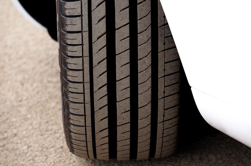 ¿Cuidas tus Neumáticos? 5 Consejos para Mantenerlos en Buen Estado